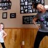 Une maman et sa fille dansent, et elles cartonnent sur Internet !